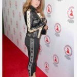 Dona Maria arrives to the altin grammy